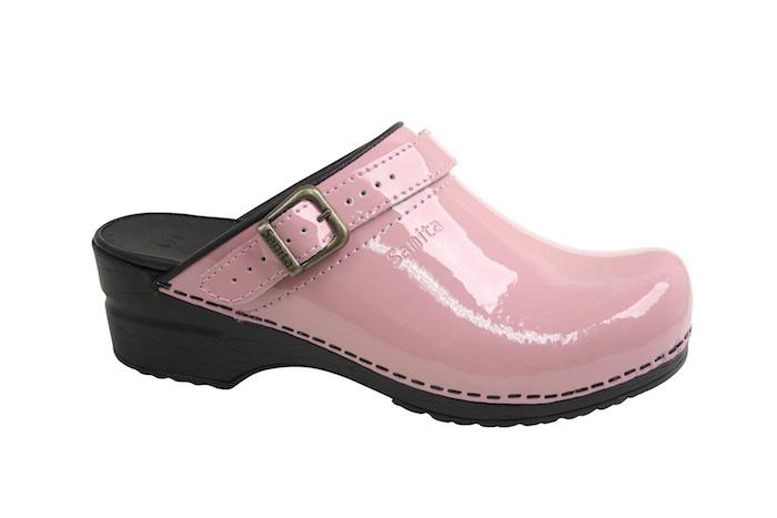 Roze Sanita klompen met riempje kopen